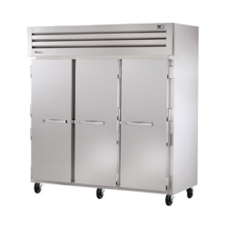 True Mfg SPEC SERIES® Refrigerator, Reach-in, three-section, stainless steel front, alumi
