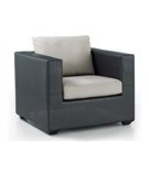 WOVEN LOUNGE CHAIR 34in W x 34in D x 34in H